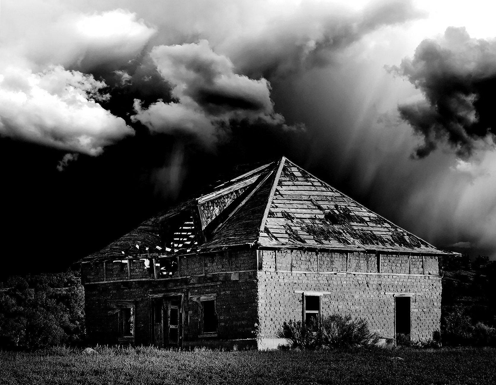 1 Adobe Farmhouse.(b&w) jpg